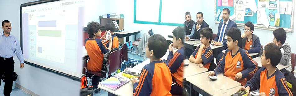 تدريب طلاب المرحلة الابتدائية على أجهزة التصويت (القسم العلمي)